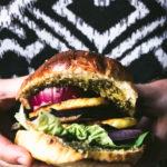 Burger végétarien halloumi mariné aubergine