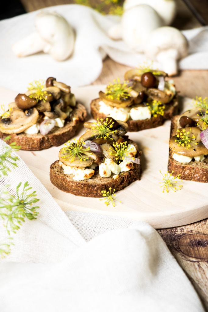 Bruschettas champignons aneth