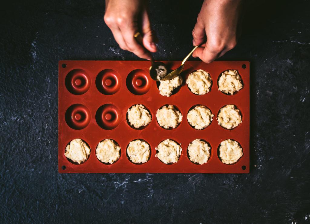 Sablés au parmesan et mousse aux tomates séchées