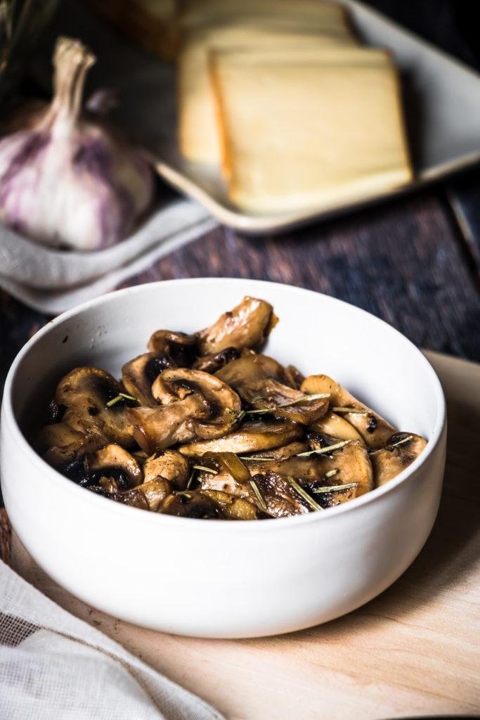 Champignons romarin, érable et huile de truffe
