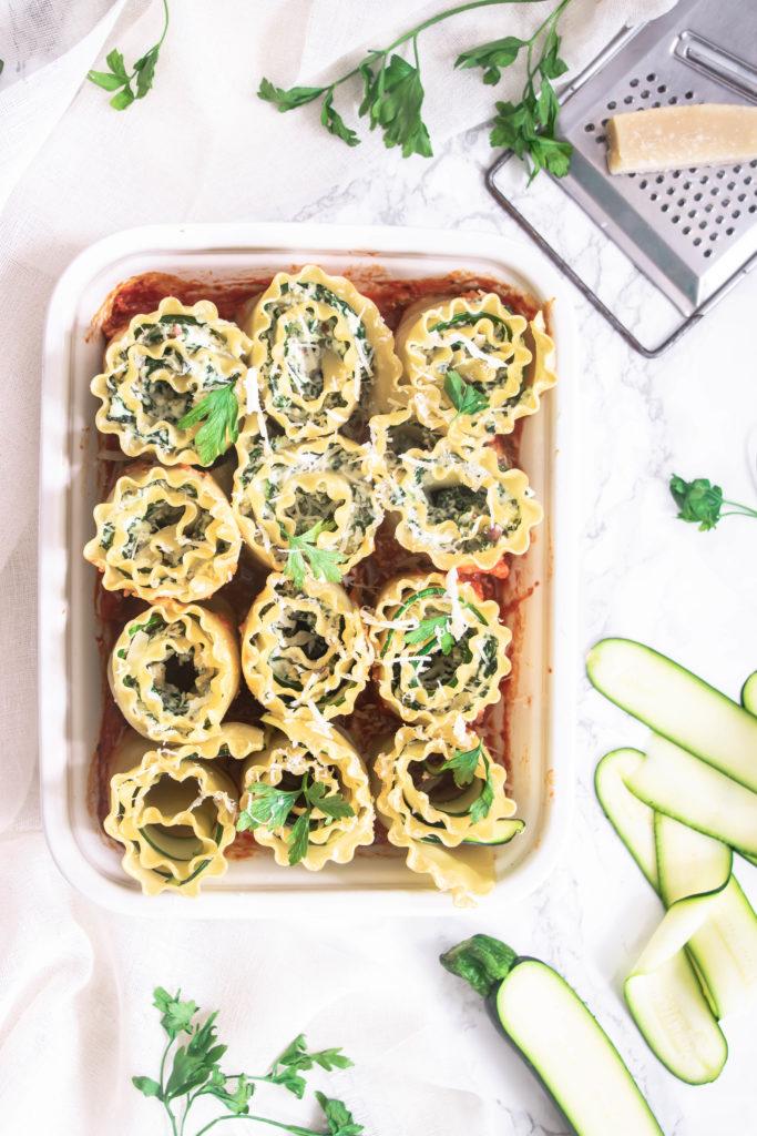 Lasagnes roulées courgettes, épinards ricotta et sauce tomates