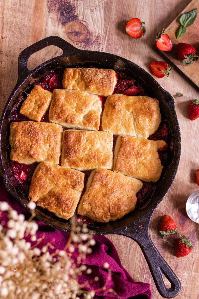 Cobbler fraises skillet