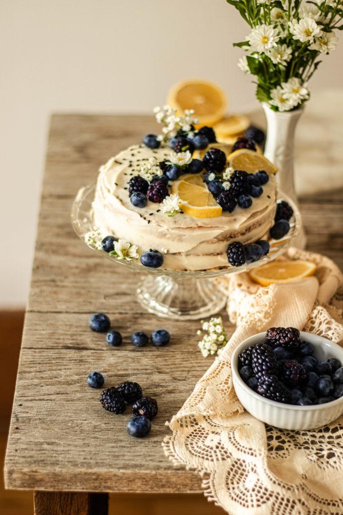 Cake au citron bleuets sésame noir